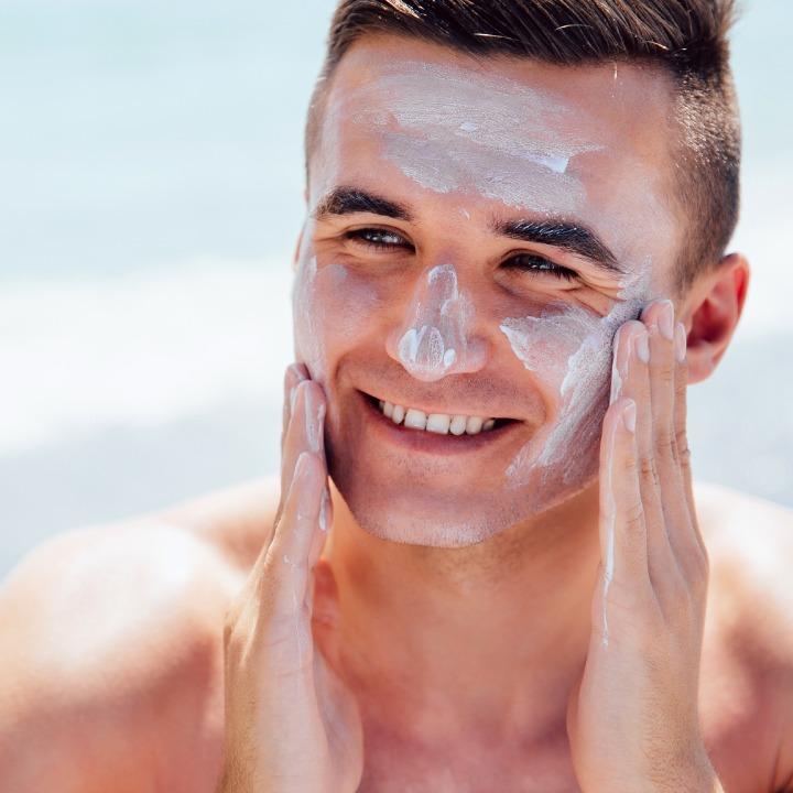 Curta o verão, mas não se esqueça de proteger a sua pele